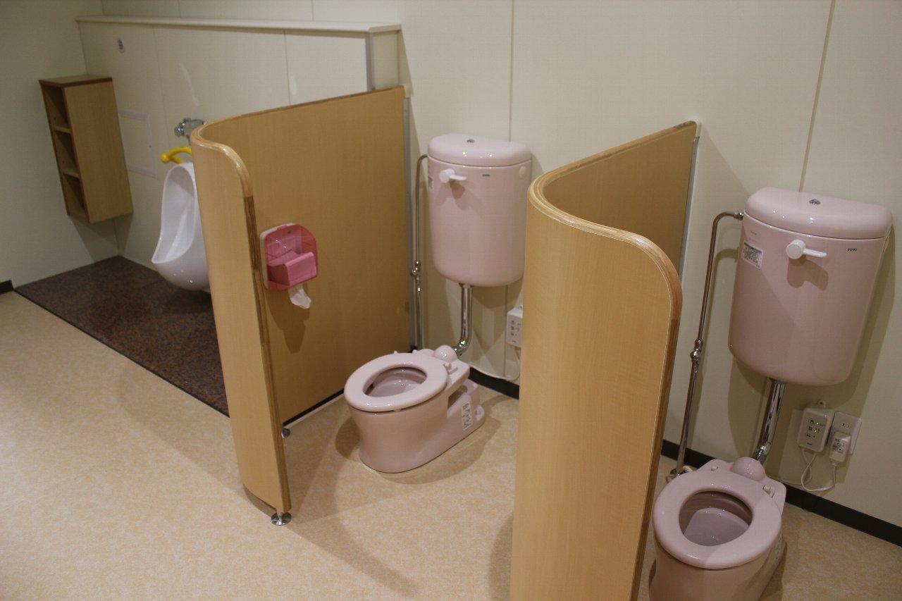 保育園トイレ